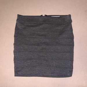 Forever 21 M grey fitted zip skirt